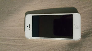iPhone 5 16GB W/ Bell