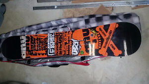 Gnu, Union, 32 snowboard package, only used twice