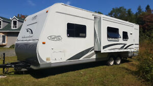 REDUCED PRICE! Barely used Trailer - 2006 R-Vision Trail Lite