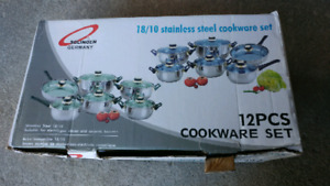 Cookware set 12 pieces new in box