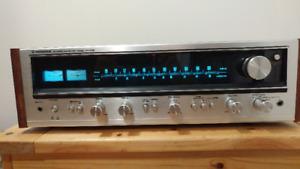 Vintage Pioneer SX-636 Receiver, in excellent working condition