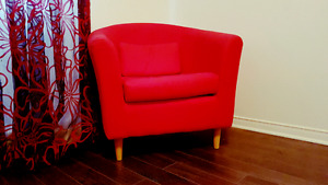Red Couch/Sofa/very clean/free delivery 55$