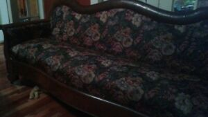 Beautiful Antique Sofa / couch