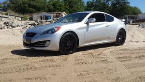 2012 Hyundai Genesis Coupe 3.8 GT Coupe (2 door)
