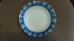 Vintage Blue/White Serving Dish/Bowl & Plates – maker Rutland