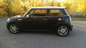 2007 MINI Mini Cooper S Hatchback CARPROOF CLAIR