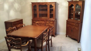 Beautiful John Boshart and Sons Dining Room Set Estate Sale
