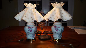 Pair of small 1970s nightstand lamps West Island Greater Montréal image 1