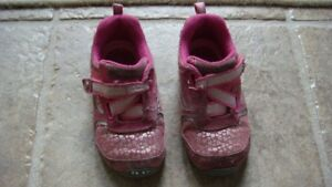 Stride rite size 7 shoes in good condition