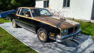 Oldsmobile Cuttlass 442 W-30 1980