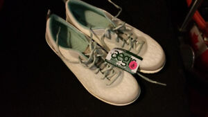 NEW Merrell sneakers with tags - white lace look - size 8.5.
