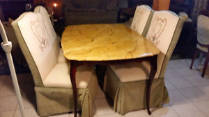 Real wood hand hand designed table and x4 apolstered chairs