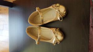 Chaussures pour petite fille