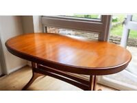 Stag extendable table and chairs excellent condition