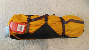 The North Face Mountain 25 Summit Gold Expedition Tent (NEW)