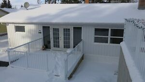 MAJOR RENOVATIONS!! YEAR ROUND COTTAGE
