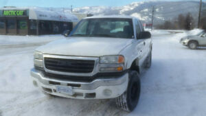 2005 GMC Sierra 3500 4x4 for parts or for fix