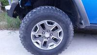 5 bfg mud terrain tires LT 255 / 75r17