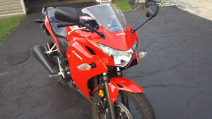 2013 HONDA CBR250r MINT CONDITION WITH EXTRAS