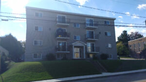 Apartment Lennoxville $300 (Heat Included)