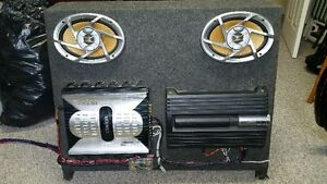 """Speaker Box with 2 x amps, 2x 6x9 speakers and 2x 10""""subs Cornwall Ontario image 3"""