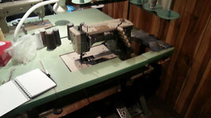 Industrial Sewing Machines (LOT)