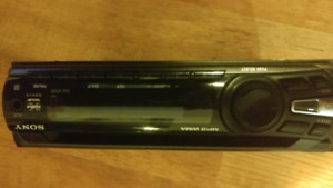 SONY CD CAR DECK STEREO WITH AUX IN DETACHABKE FACE PLATE