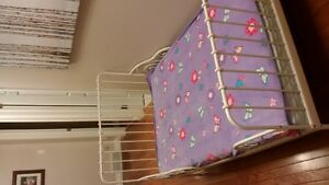 Girl's bed, three sizes in one.
