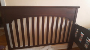 Convertible Baby Crib in a good condition