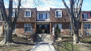 Very Spacious Pointe Claire Townhouse Apartment