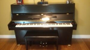 NIEMEYER PIANO IN VERY GOOD CONDITION!