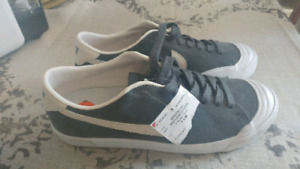 NIKE ZOOM AIR SHOES SIZE 7 MENS