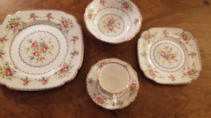 "Royal Albert"" Petit Point"" 5 piece place setting"