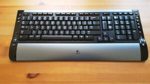 Logitech S510 Multimedia Wireless Keyboard & Wireless Mouse