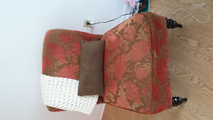 living room chair $40