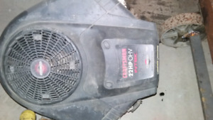 BRIGGS & STRATTON 22HP INTEK MOTOR  [ BLOWN ]