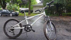 Kids Mountain Bike (Age 7 - 10) Unisex | White