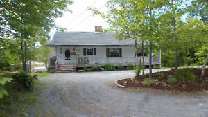 Large home with stand alone inlaw suite in Porters Lake