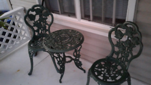 Bistro set  reduced to 125