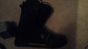Rossignol snowboard boots $50