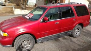 Safetied 2000 Lincoln Navigator in excellent running condition