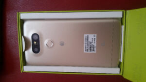 LG G5 UNLOCKED NEW CONDITION IN BOX / ACCESSORIES 32GB