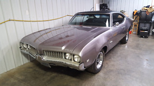 1969 Olds Cutlass Surpreme Holiday Coupe