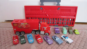 Cars 2 World Grand Prix Race Launcher / Mack Truck/ cars