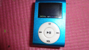 BRAND NEW  LCD SCREEN/FM RADIO MP3/MP4 PLAYER