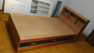 Single Bed with drawers
