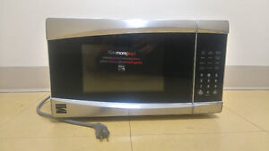 Four à micro-ondes/Microwave Oven Kenmore 970-86133