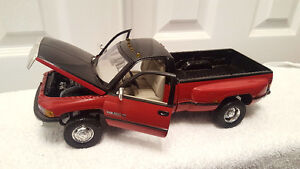 DODGE RAM 3500 V10 DUALLY PICKUP TRUCK DIECAST