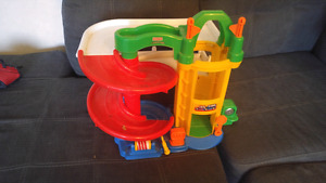 Fisher Price parking Garage with elevator and ramp