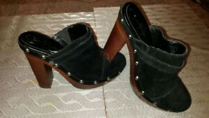 Jessica Simpson black suede clogs